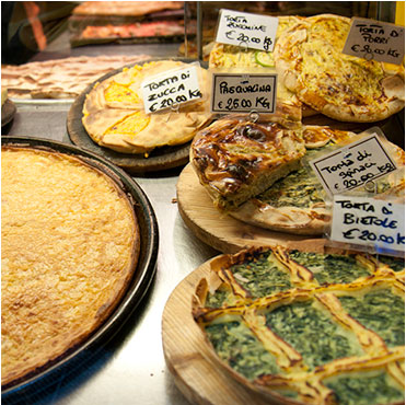 Street food tour il cibo la cucina e la tradizione for Cucina arredi genova